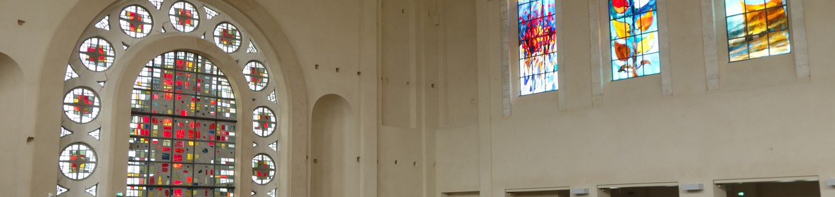 Vitraux arcabas basilique sacrée coeur © M. Ledru OTGM  (2).JPG