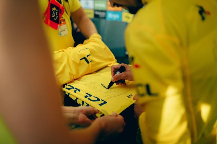 Tour de France signature dédicace du maillot jaune