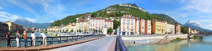 Balade avec un greeter à Grenoble sur les quais de l'Isère