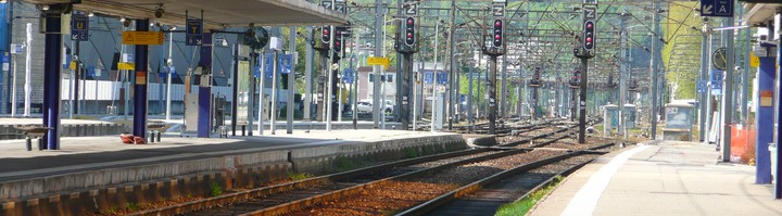 Quais Gare de Grenoble.JPG