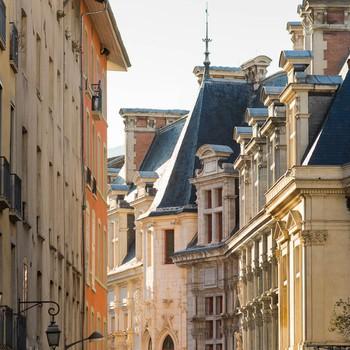 Palais du parlement rue architecture renaissance