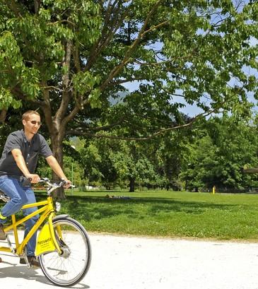 Famille vélo Grenoble Parc Paul Mistral