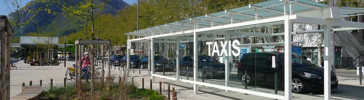 Station de taxi Grenoble gare.JPG