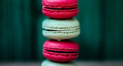 foodiesfeed.com_colorful-macarons-tower.jpg