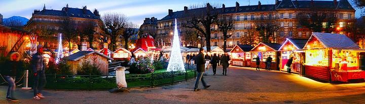 marché de noel grenoble © L Ravier (1).jpg