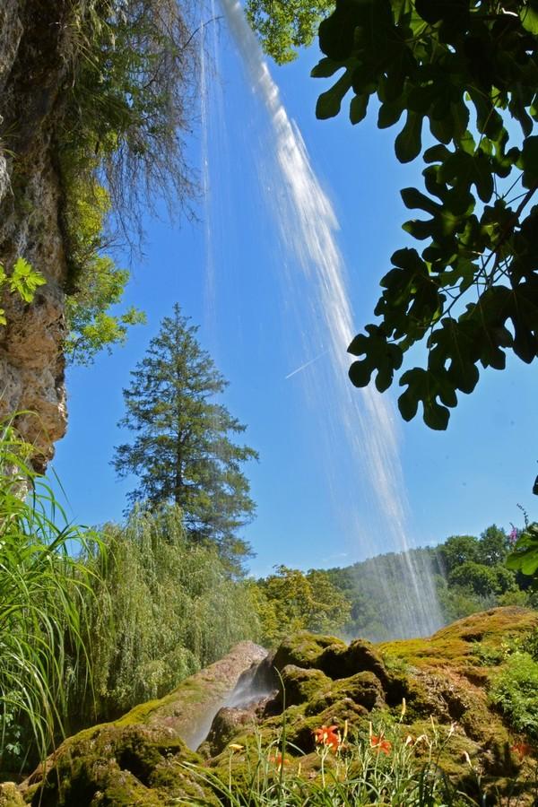 Le jardin des fontaines p trifiantes grenoble france - Le jardin des fontaines petrifiantes ...